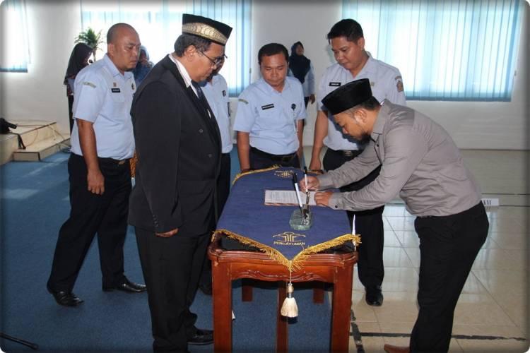Kakanwil Melantik Notaris Pengganti di Wilayah Kota Gorontalo